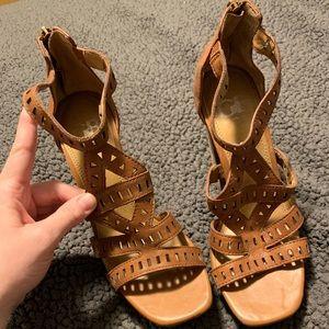 Gianni Bini Camel Strappy Heels with cutouts Sz 7